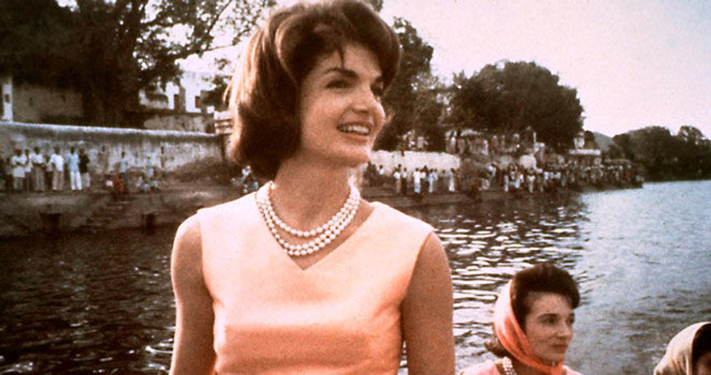 IKONISK: Jackie Kennedys stil har gjort henne udødelig. Nå kommer parfymen inspirert av henne.