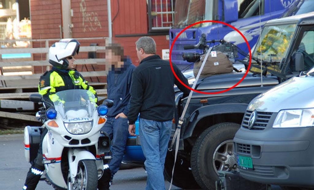 OOOPS: Her får tv-fotografen besøk av politiet, etter at en tipser hadde meldt om den farlige plasseringen.