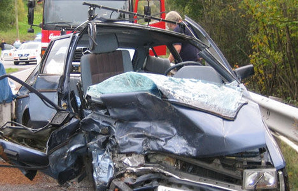 hokksund bilkrasj skadet