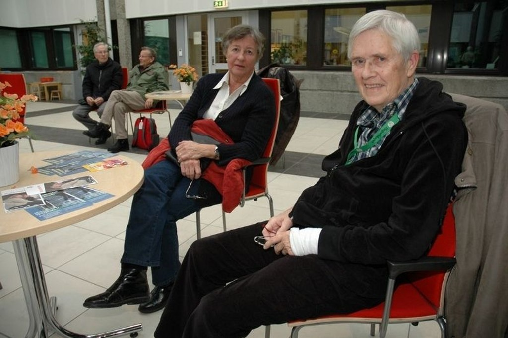 Kari Uelrichsen og Sofie Hammer Johansen ventet gjerne på å få vaksine mot influensa.