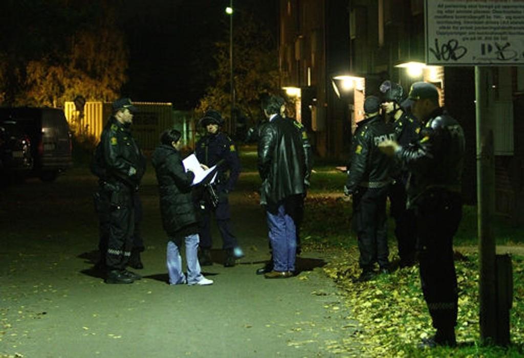 Her er politiet på åstedet etter at en mann ble skutt i hjertet i Nedre Ullevål 3 i forrige uke.