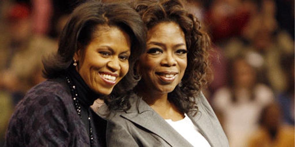 VERDIFULL STØTTE: Talkshow-dronning Oprah Winfrey (t.h.) og kona Michelle Obama kan bli verdifulle trumfkort for Barack Obama.