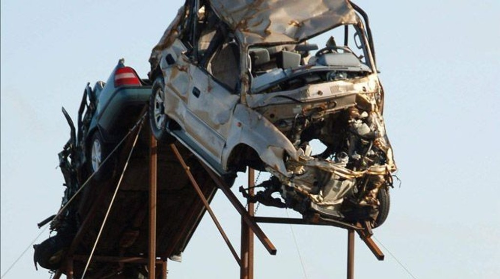 KONTROVERSIELT: Med dramatiske virkemidler skal islendingene få ned antall ulykker på veiene.