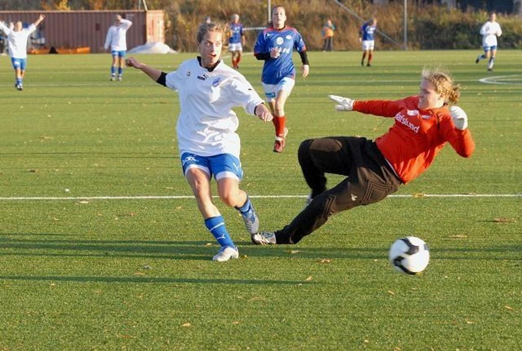Ellen Wang og Linderud-Grei berget plassen i 1. divisjon ved å slå Vålerenga i høst. Nå kan groruddølene glede seg over økonomisk støtte fra NFF.