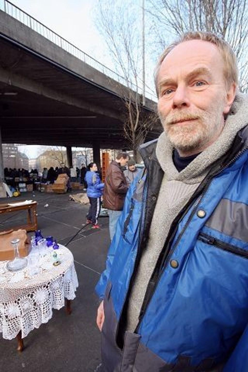 Morten Lindstad føler at bydelen har tatt han inn i varmen etter at de like før jul ga Grønland Bruktmarked kontrakt for fire nye år. FOTO: HEGE BJØRNSDATTER BRAATEN