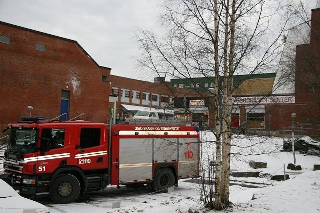 Full uttrykning: Brannvesen, politi og ambulanse var raskt på stedet.