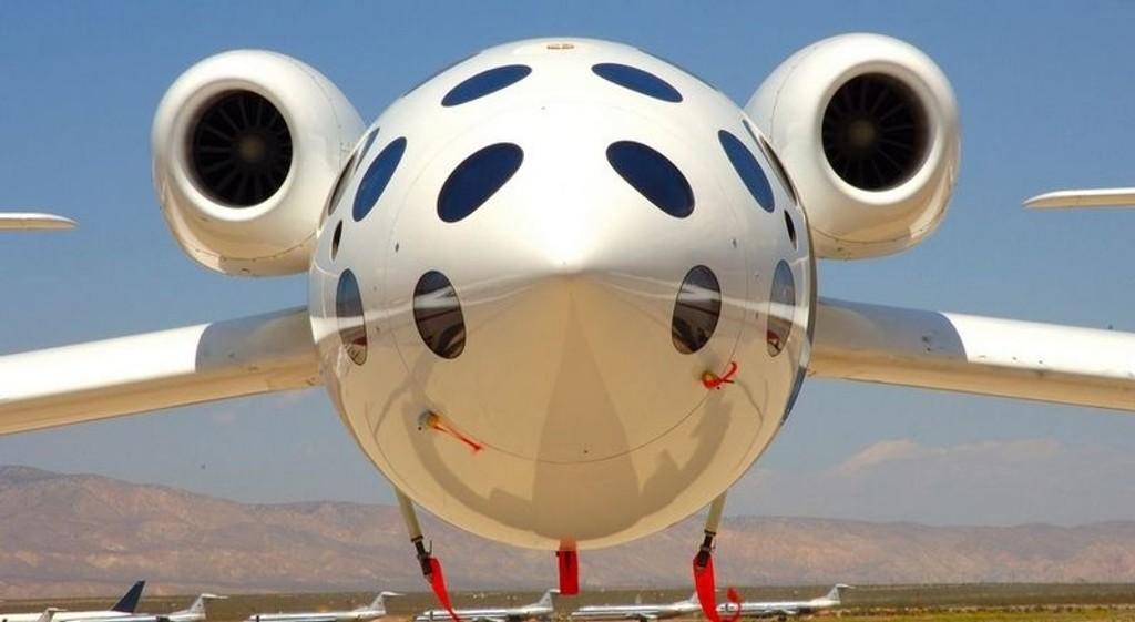 MODERSKIP: White Knight vil frakte romfartøyet som passasjerene sitter i.