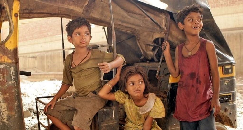 STEMNING: I filmen Slumdog Millionaire skapes et fargerikt og levende bilde av slummen i Mumbai, med bruk av grep hentet fra både Hollywood og Bollywood.