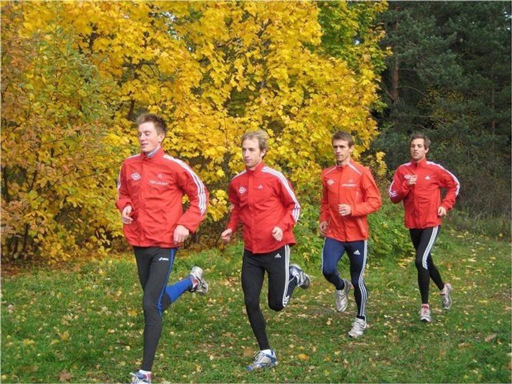 """Sondre Nordstad Moen (f.v.), Rolf Steier, Øystein Sylta og Sindre Buraas danner """"Team Toppløp""""."""