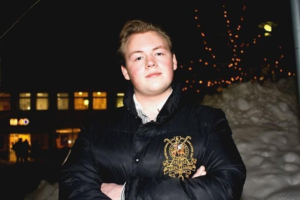 Mads Skjolden (16) ble valgt til leder for Nordstrand Unge Høyre høsten 2008. I året fremover kommer han til å jobbe med valgkamp i de videregående skoler i vårt distrikt samt å verve flest mulig unge til Unge Høyre.