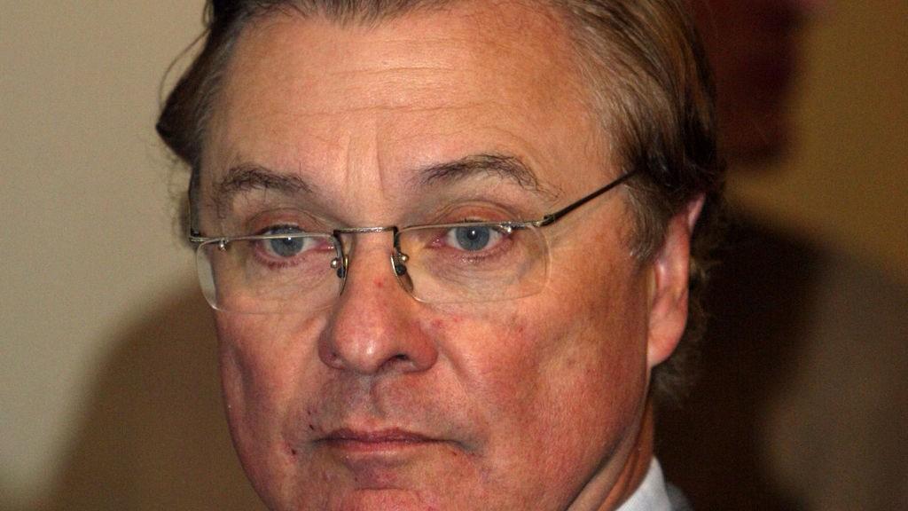 Radiokanalen P4 legger frem resultatene for tredje kvartal på en pressekonferanse, 2002. Styremedlem og storaksjonær Endre Røsjø var til stede.
