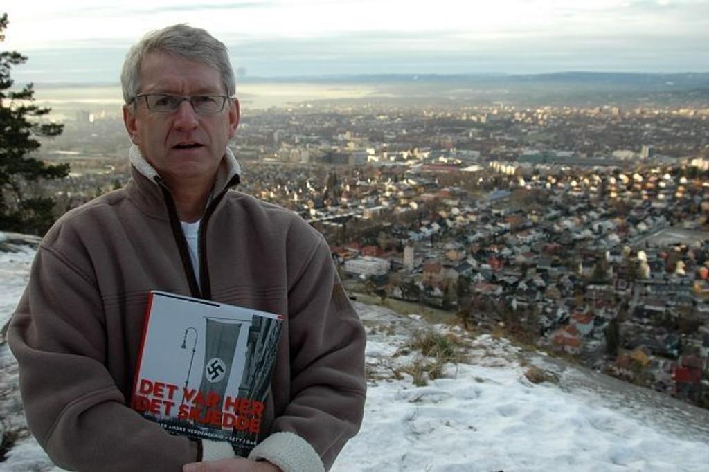 """under krigen fant sted i hele byen, også her opp på Grefsenkollen, minner forfatteren av boka """"Det var her det skjedde"""", Ottar Samuelsen, oss om. Foto: Ivar Brynildsen"""