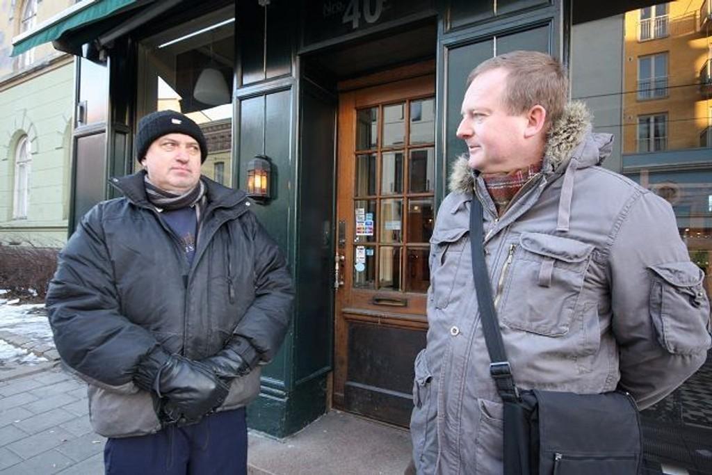 Bydelspolitikerne på Grünerløkka er enstemmig i vedtaket om å kreve handicaptilpasning på samtlige utesteder i bydelen. Her ved Ulf Granli (H) t.v. og Paal Haavorsen.