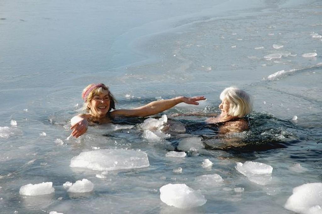 isbading uten klær
