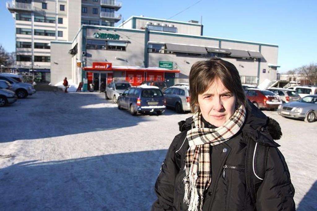 Lisa Svendsen fra Haugerud håper at det vil komme en minibank på Haugerud senter i nærmeste framtid. Hun er lei av å dra til Tveita eller Furuset for å ta ut penger.