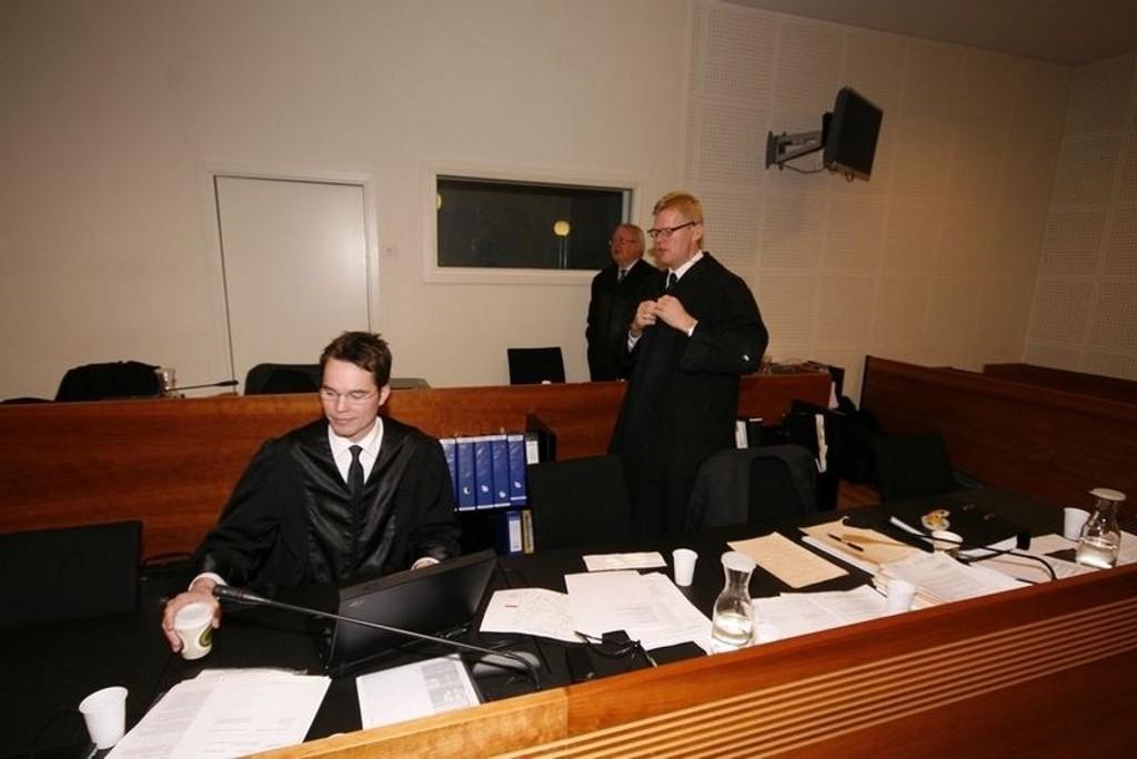 De tre tiltaltes forsvarere, Marius Dietrichson (Hussain), Morten Furuholmen (Shafa) og Fridtjof Feydt (NN, 23 år gammel medtiltalt), holde sine prosedyrer i dag.