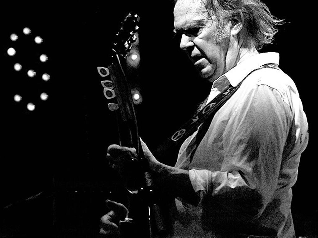 Neil Young ble i dag bekreftet som hovedartist under årets Norwegian Wood. Her fra en konsert i 2008.