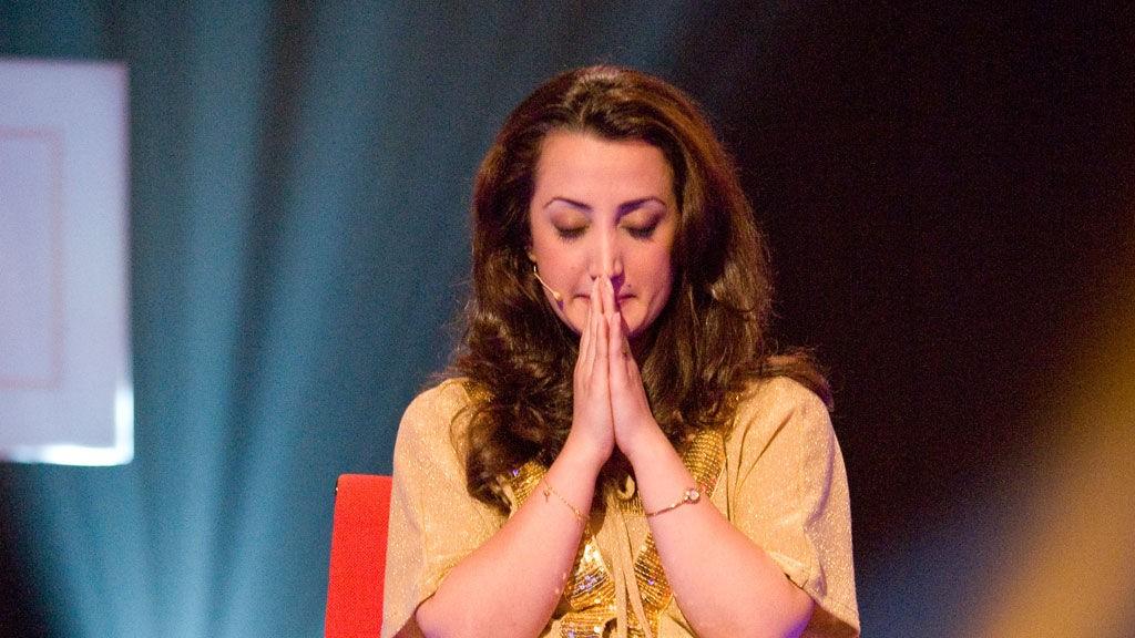 Lana Arshad må svare på mange personlige og tøffe spørsmål i «Sannhetens Øyeblikk».