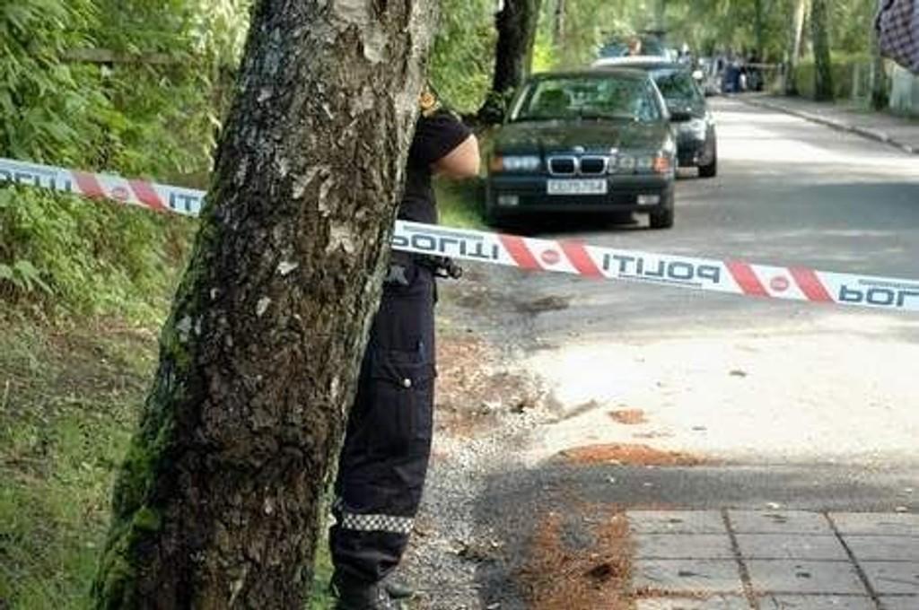 Området rundt Bjerkealléen ble fullstendig avsperret etter at en kvinne og to barn ble funnet drept.
