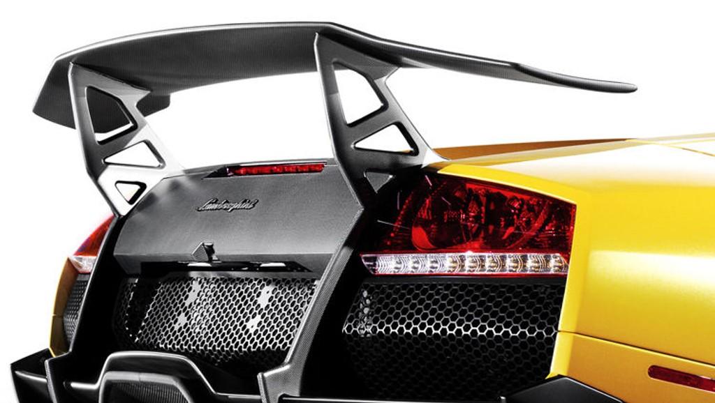 HEKK: Lamborghini Murciélago LP670-4 SuperVeloce har en hekkspoiler som kan gjøre øyet både stort og vått.