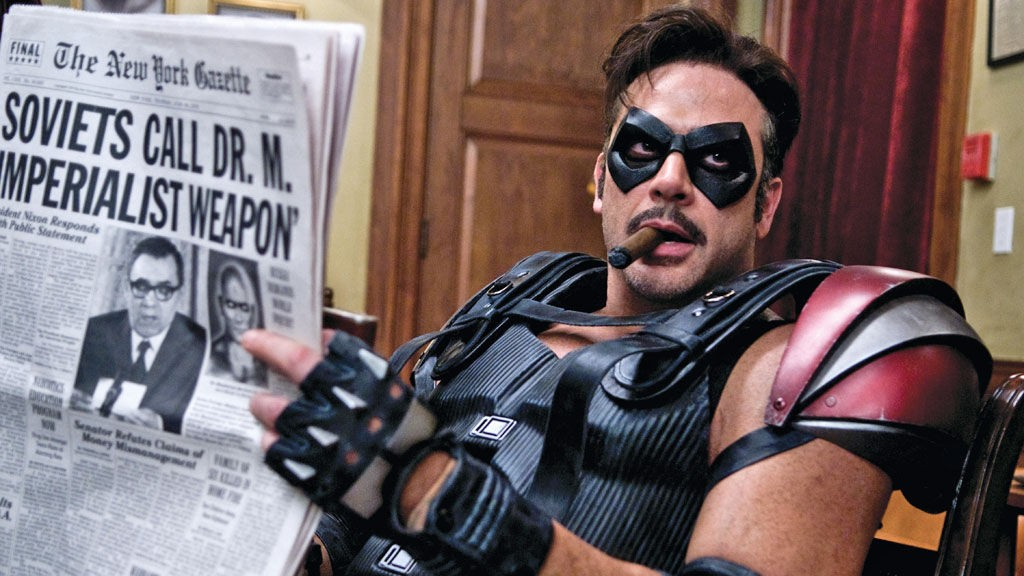 THE COMEDIAN: Jeffrey Dean Morgan spiller Edward Blake a.k.a. The Comedian i «Watchmen».