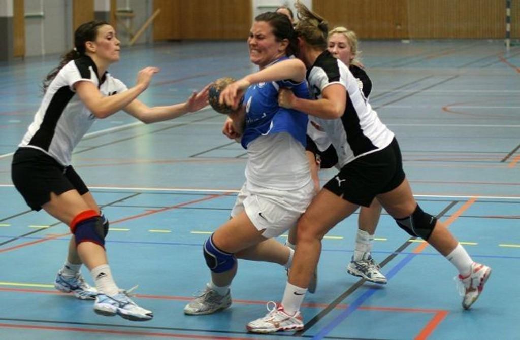 kjempet seg opp: Gunvor Ytterstad og Vålerenga skal spille i 2. divisjon neste sesong. BEGGE FOTO: MAGNE MELLEM ENOKSEN