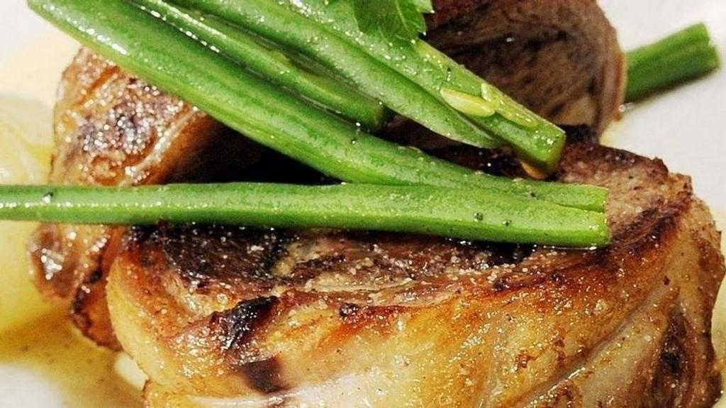 NAMME-LAM: Confitert lammebryst blir mørt som smør.