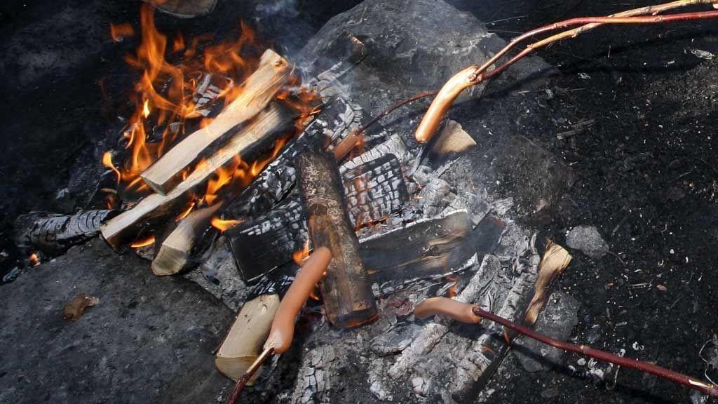 lov å brenne bål