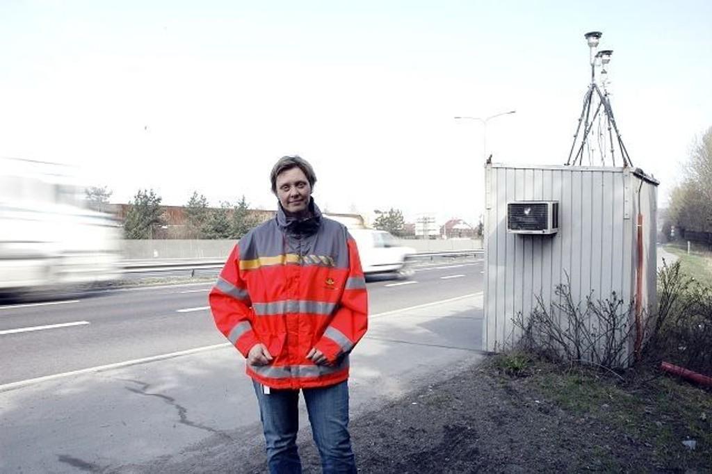 Over for denne gang: Gry Larsen i Statens vegvesen opphever miljøfartsgrensa fra i dag.