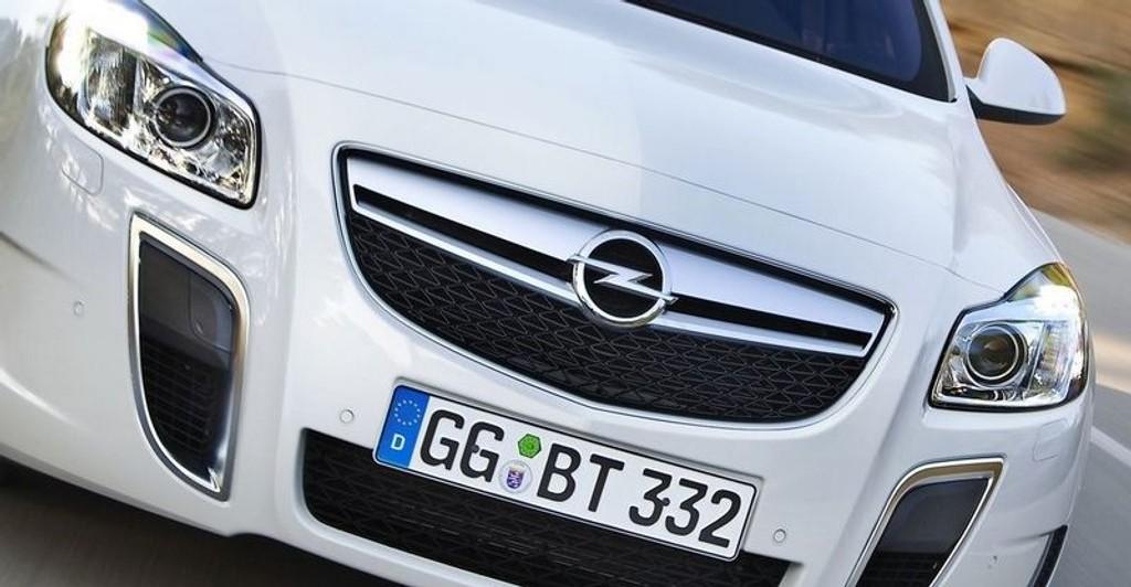 RASK: Opel Insignia OPC kommer med en motor på 325 hk og 400 Nm i drakraft.
