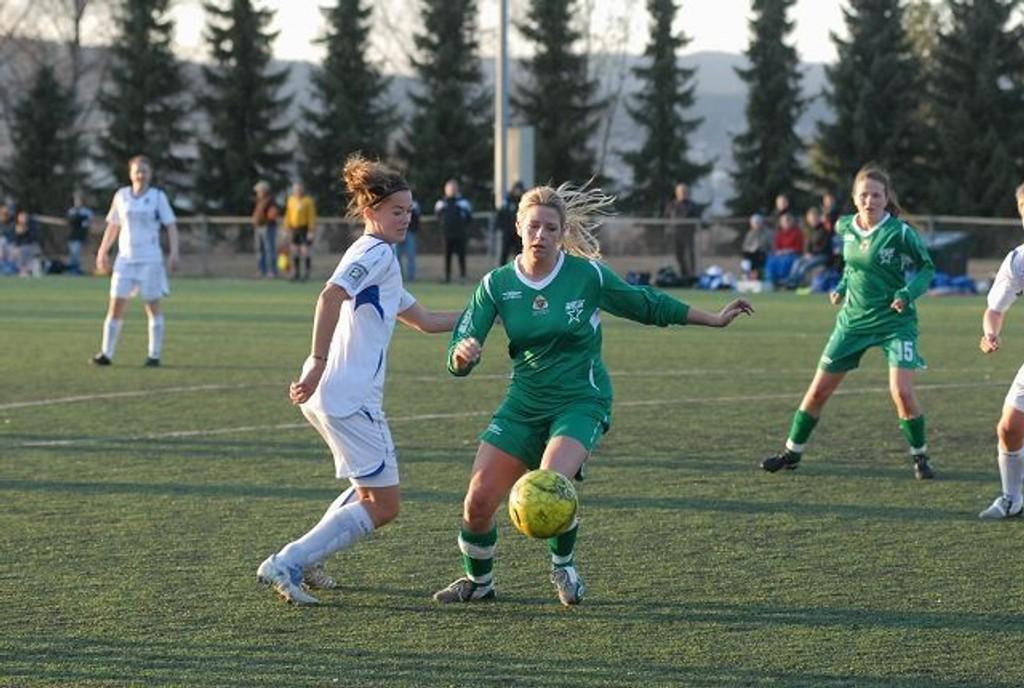 Kathrine Kronqvist og MS dominerte mot Larvik i den første runden i NM.