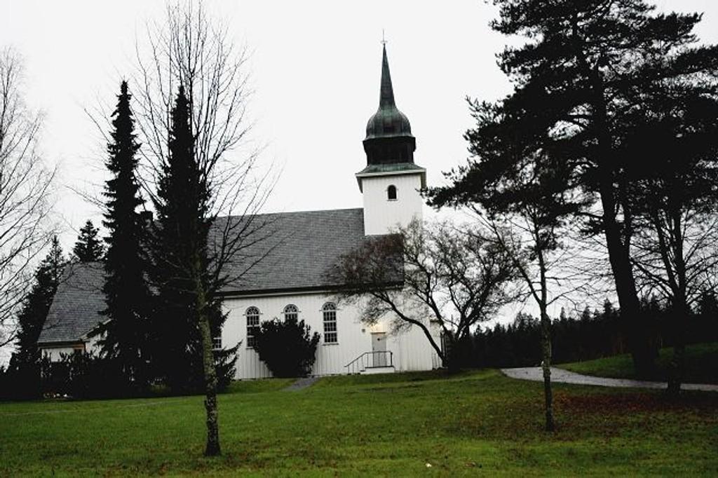 Søndag kan kirkegjengerne igjen komme inn i Klemetsrud kirke. Nå er nemlig den innvendig oppussingen unnagjort.