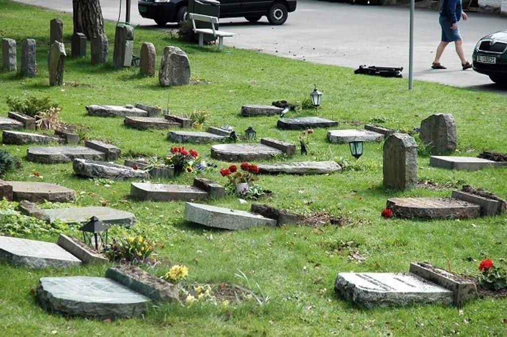 Kan den pågrepne 27-åringen knyttes til de grove ødeleggelsene på Nordstrand kirkegård og kirken?