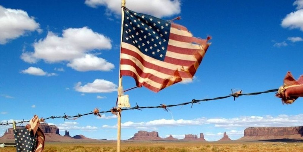 NAVAJO NATION: Monument Valley ligger på grensen mellom delstatene Utah og Arizona, i Navajo Nation. Egne lover og regler gjelder her.