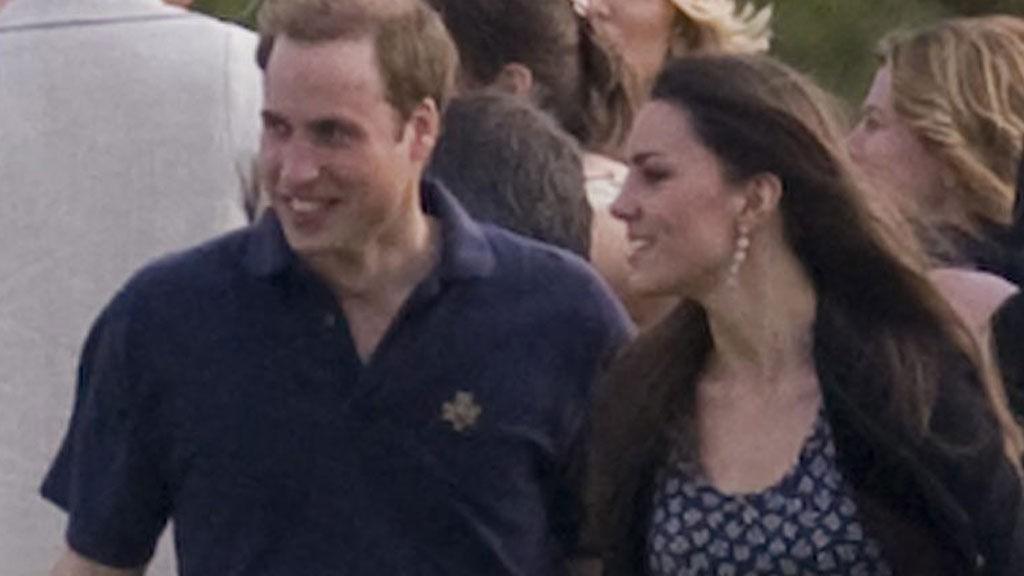 SMILENDE: William og Kate kler hverandre godt og trives uten tvil svært godt i hverandre selskap. De to har i år sju års-jubileum.