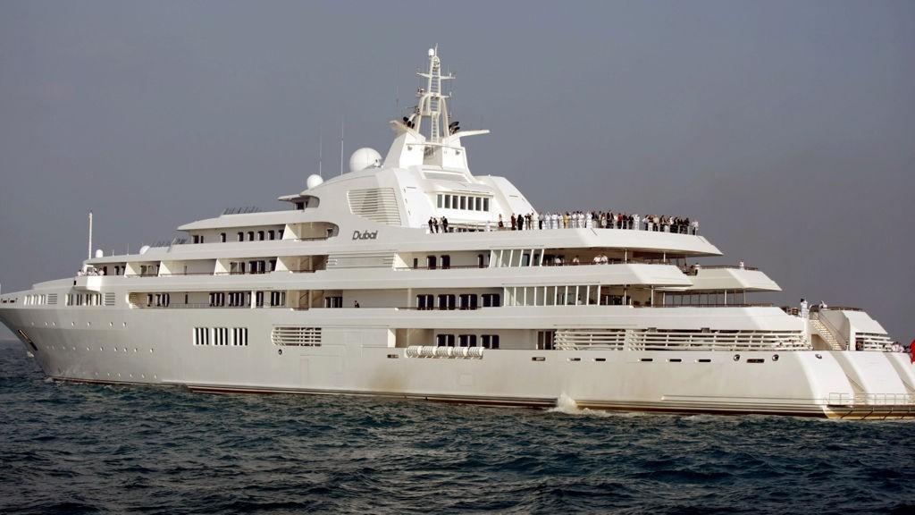 STØRST I VERDEN: Emiren av Dubai kan more seg fyrstelig på sin nye superyacht.