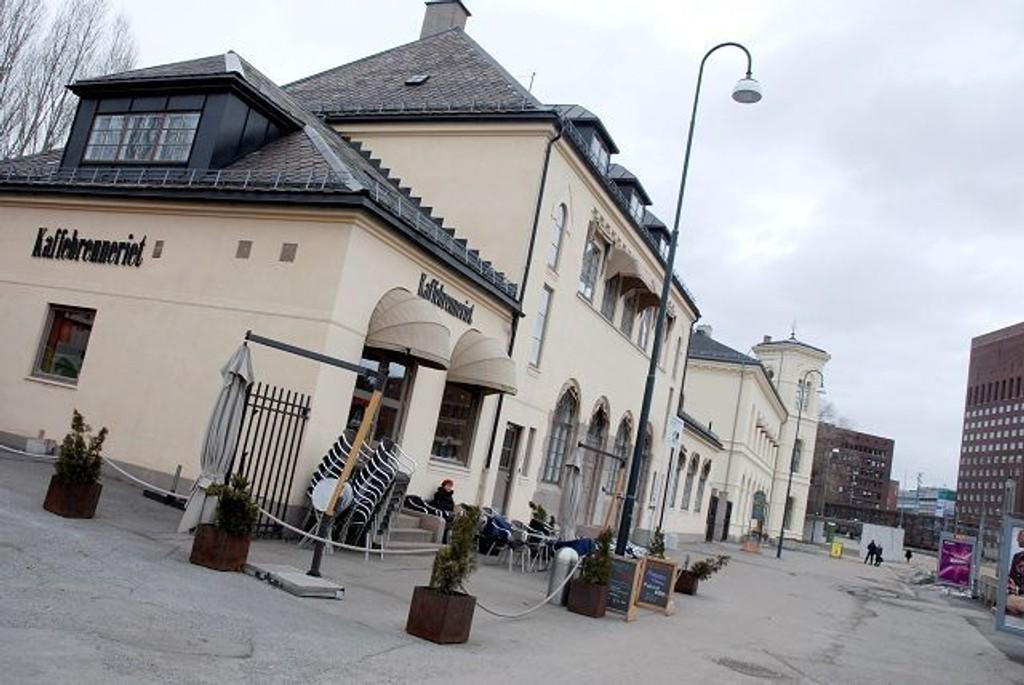 Vestbanens gamle stasjonsbygning foreslås revet av Høyre. FOTO: ANNE MARIE HUCK