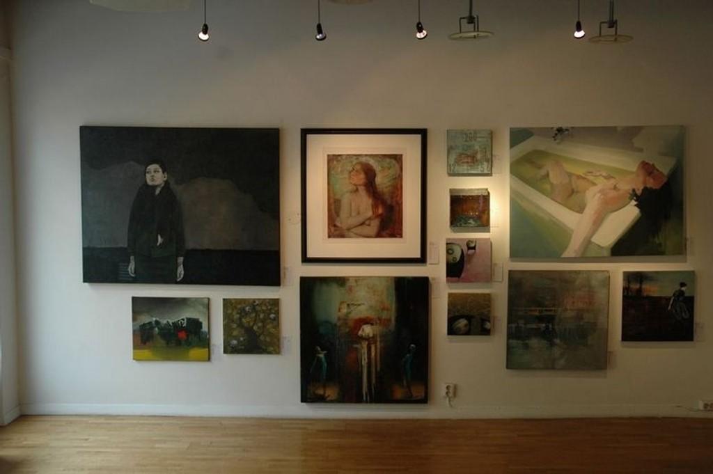 240 originale kunstverk stilles ut og er til salgs