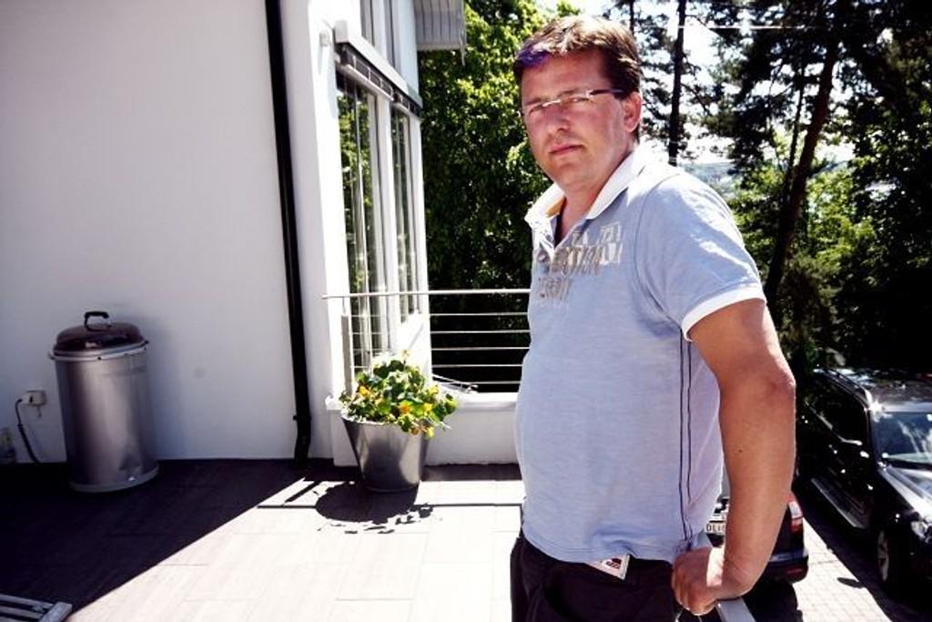 Geir Feltstykket er skremt og sint etter episoden hvor datteren hans og to andre ble drapstruet av en psykisk ustabil person på Nordstrands bad.