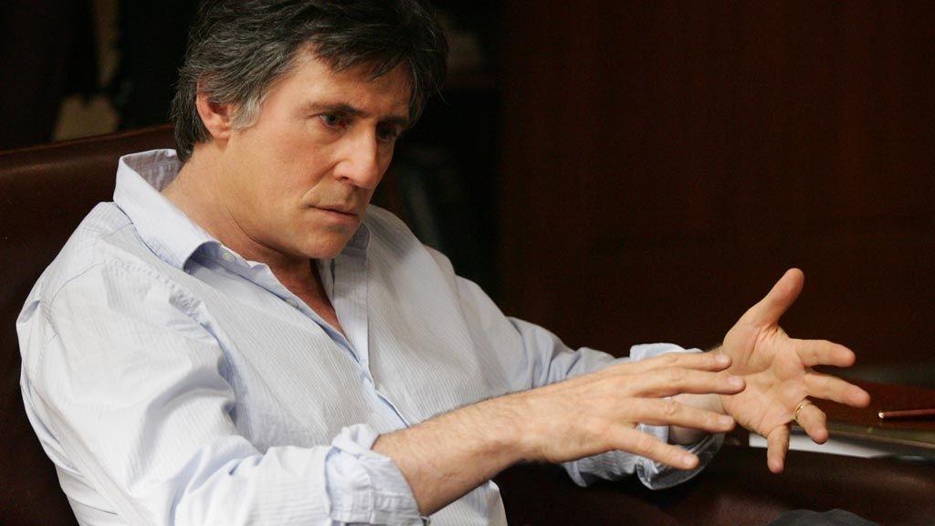 GABRIEL BYRNE: Da «In Treatment» ble en suksess på amerikansk TV, fikk Byrne det gjennom at serien skulle bytte innspillingssted til New York fra Los Angeles. Byrne er svoren New York-boer.