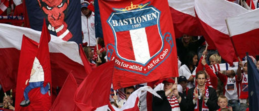 Den som henger opp flest plakater foran søndagens skjebnekamp mot Bodø/Glimt vinner billetter til Lyn-Liverpool.