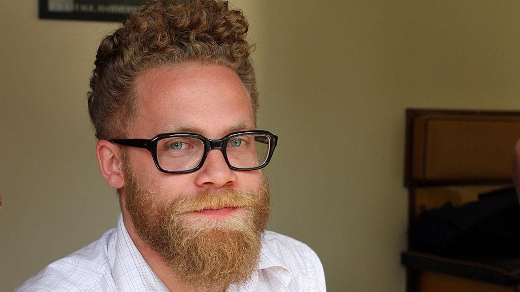 BRILLER: Anders Bakke har bare hatt disse brillene siden mai, men allerede har de blitt en del av personligheten hans.
