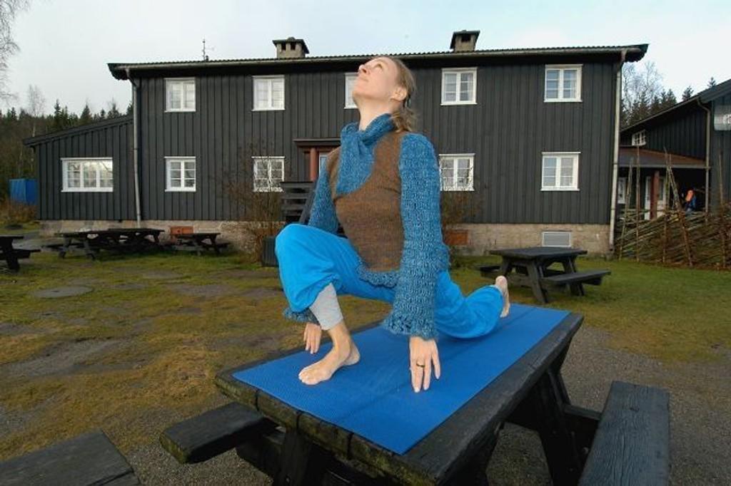 Yoga ved Kikutstua er noe Elisabeth Lyseng har stor tro på. FOTO: ELISABETH C. WANG