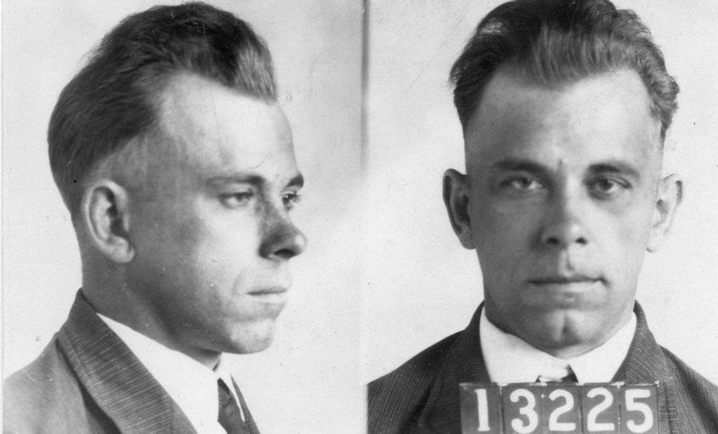 RØVER: John Dillinger (1903-1934) skal ha robbet et 20-talls banker i løpet av karrieren. (Foto: FBI)