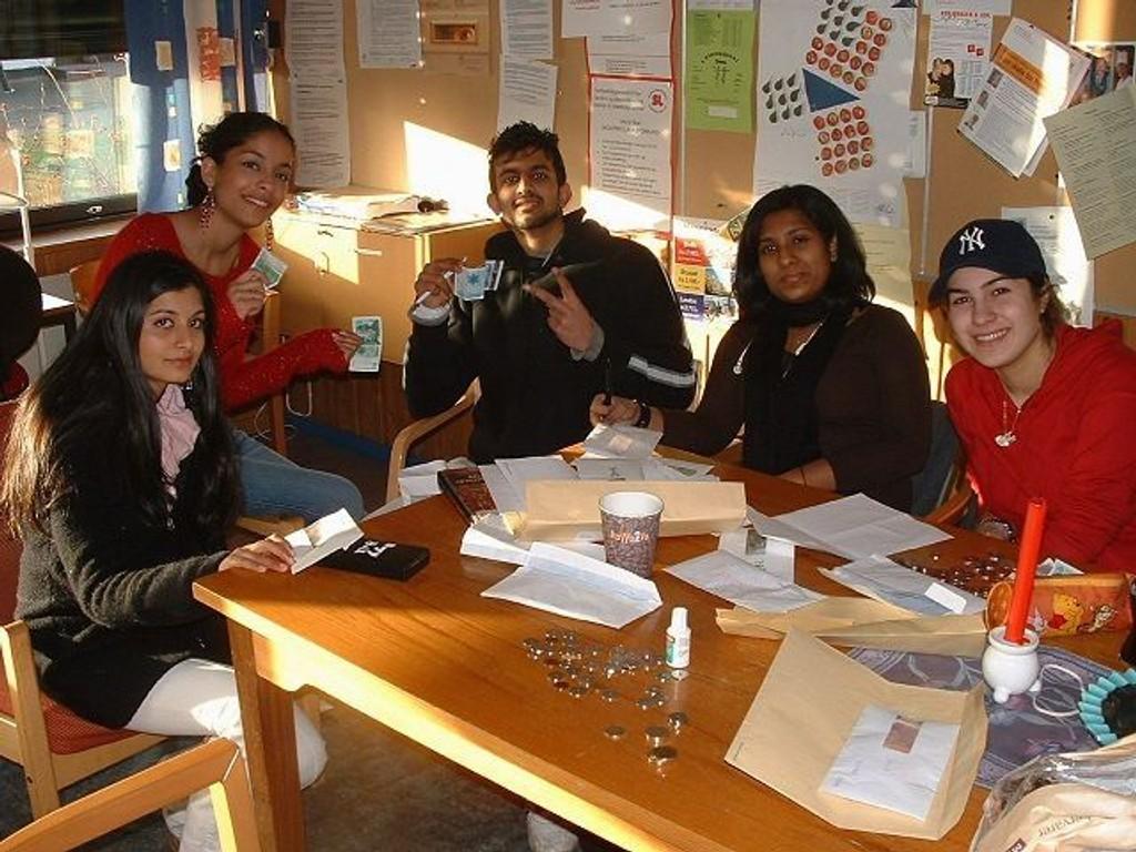 Jenter med innvandrerforeldre gjør det skarpt. Bildet er fra en tidligere anledning ved Hellerud videregående skole. ILLUSTRASJONSFOTO
