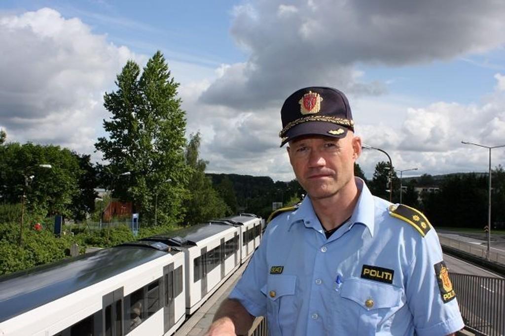 Fungerende stasjonssjef Trond Vennatrø ved Manglerud politistasjon kommenterer krimstatistikken. FOTO: Trine Dahl-Johansen