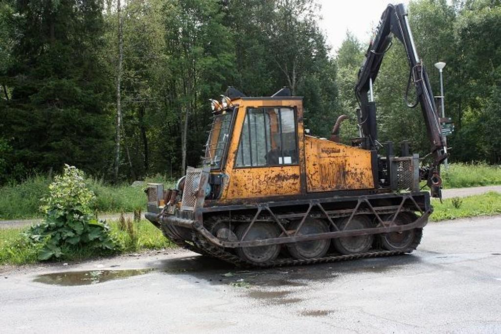 Villmannskjøring med denne beltemaskinen i Østmarka forårsaket diverse skader.