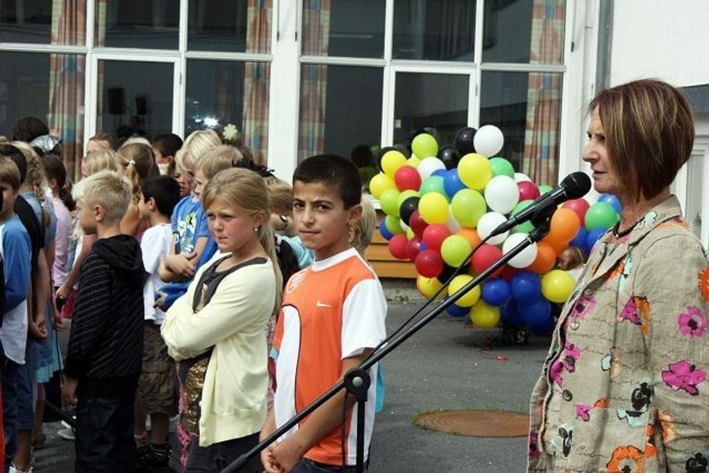 Rektor Bodil Arnestad ønsket nye elever og ansatte velkommen til skoleåret. ALLE FOTO: Trine Dahl-Johansen
