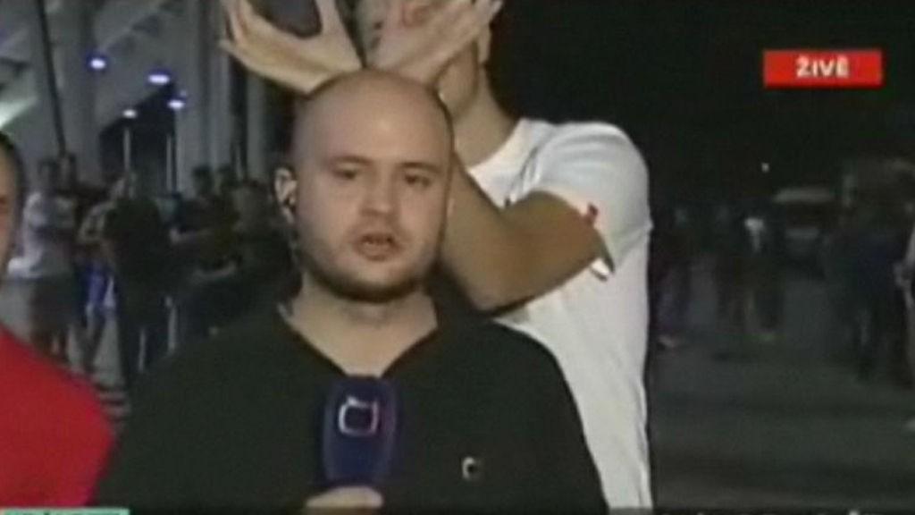 Reporter får gjennomgå i Praha