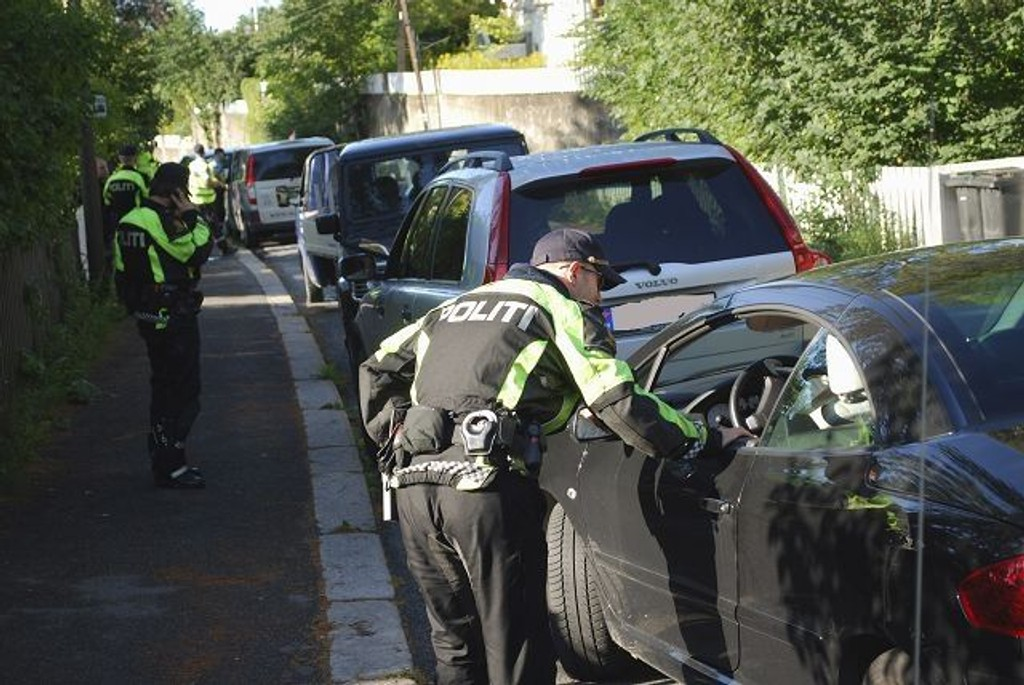 Politet hadde mer enn nok med å holde styr på fartsovertredererne som ble vinket inn i Konventveien. Foto: Vidar Bakken
